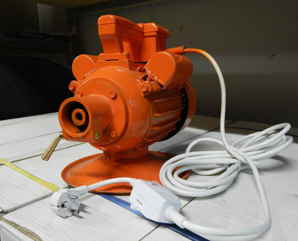 Электропривод к глубинному вибратору